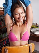 Crissy Moon shows off her hairy clam