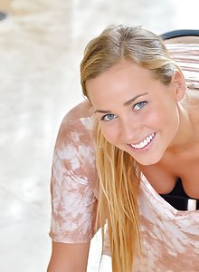 Gorgeous blonde teen Courtney does nude yoga